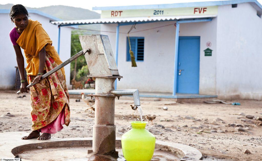 Wir schaffen ZUgang zu Wasser und sanitären Anlagen und bekämpfen Armut.